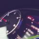 luces del tablero de un vehículo